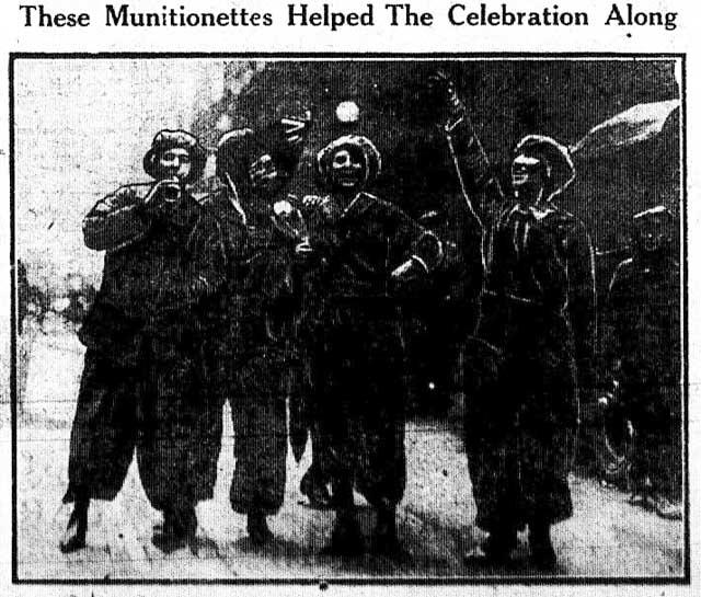 tely 1918-11-08 munitionettes photo