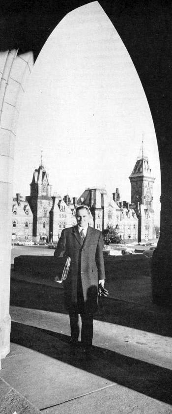 si 1962-12-03 kelly profile 2 parliament hill photo