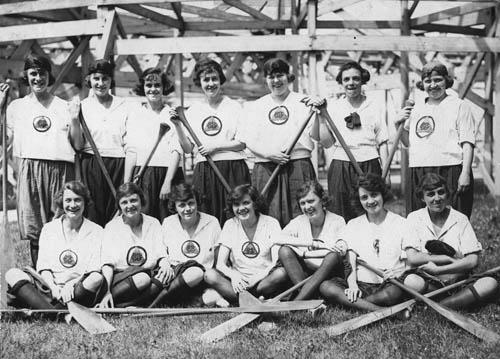 Ladies' paddling team, Balmy Beach Club. - [ca. 1920]